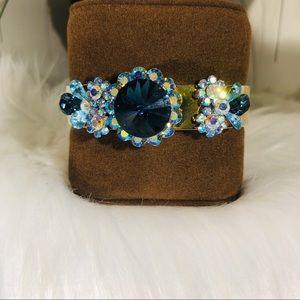 Decorative bracket with shades of blue Rhinestones